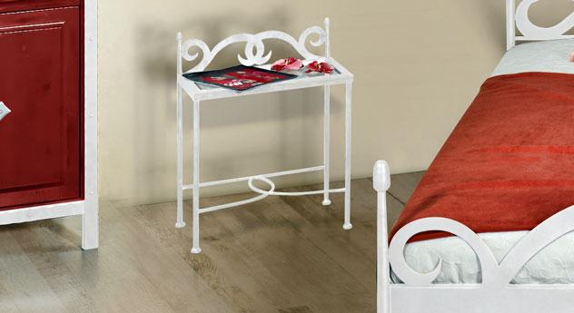 Nachttisch Temco aus weißem silber gewischtem Metall