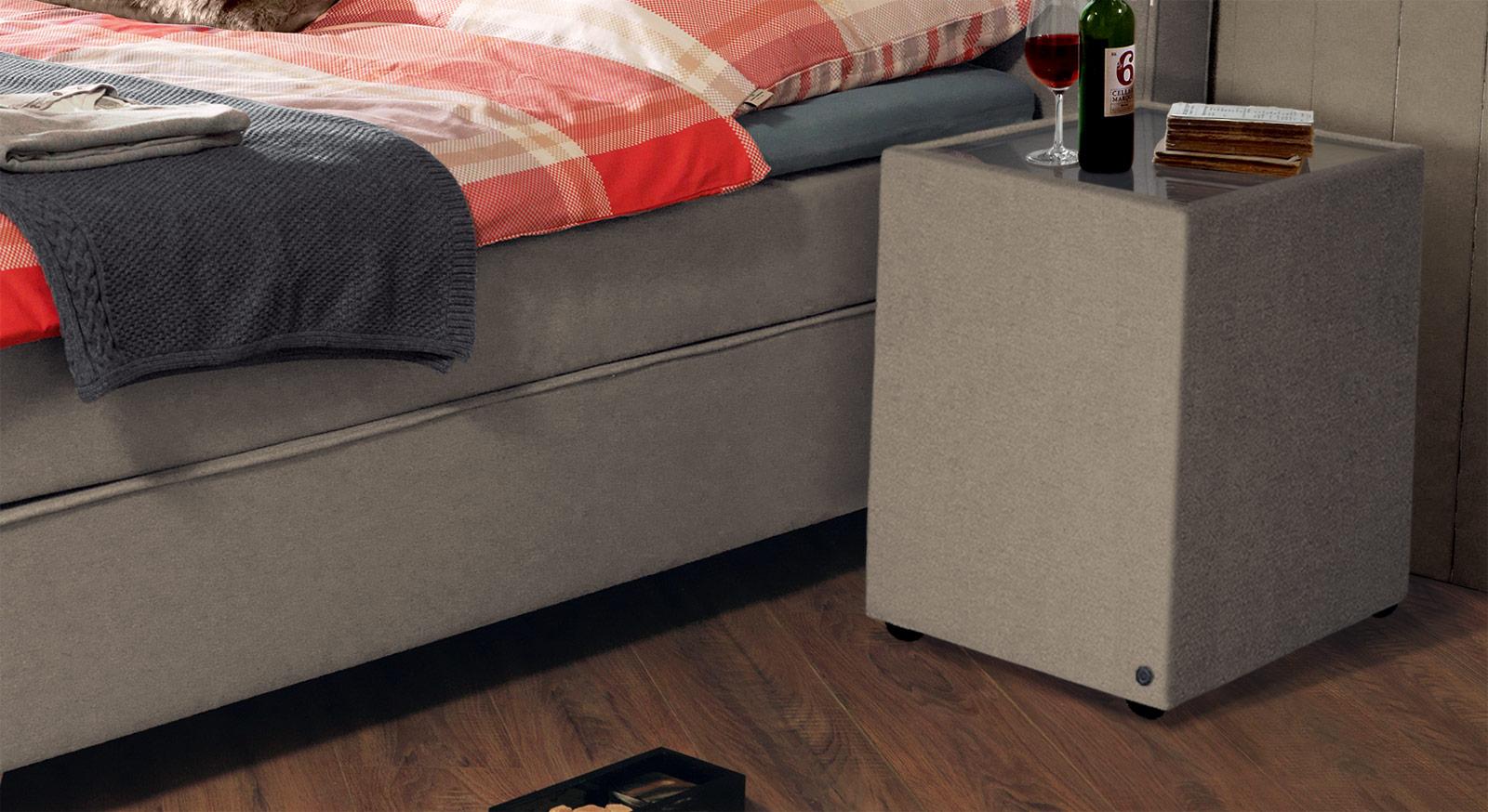 Nachttisch Tom Tailor Soft mit sandfarbenem Stoffbezug