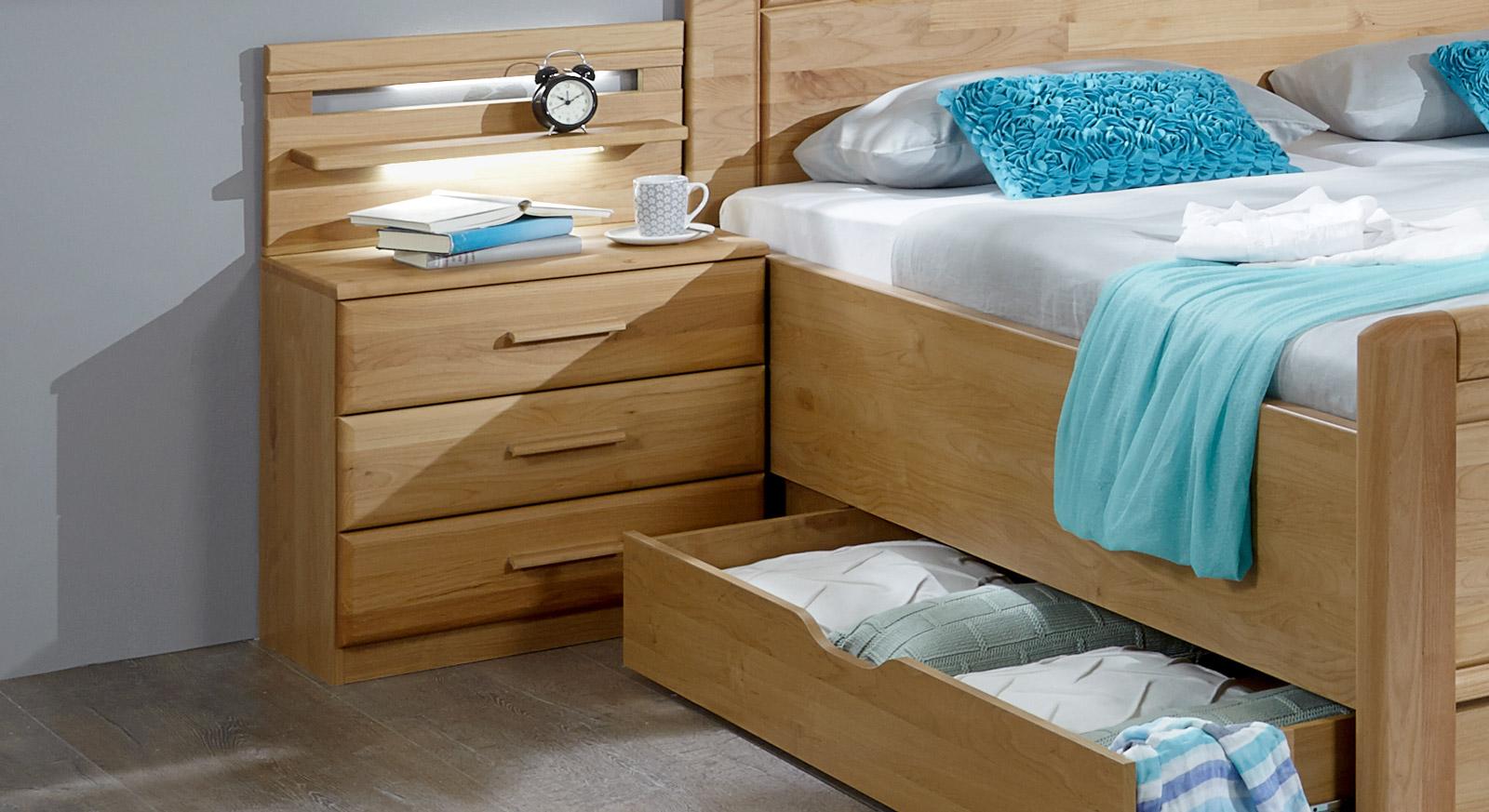 nachttisch hoch full size of nachttische fur plant ziemlich nachttisch zu hoch wohndesign with. Black Bedroom Furniture Sets. Home Design Ideas