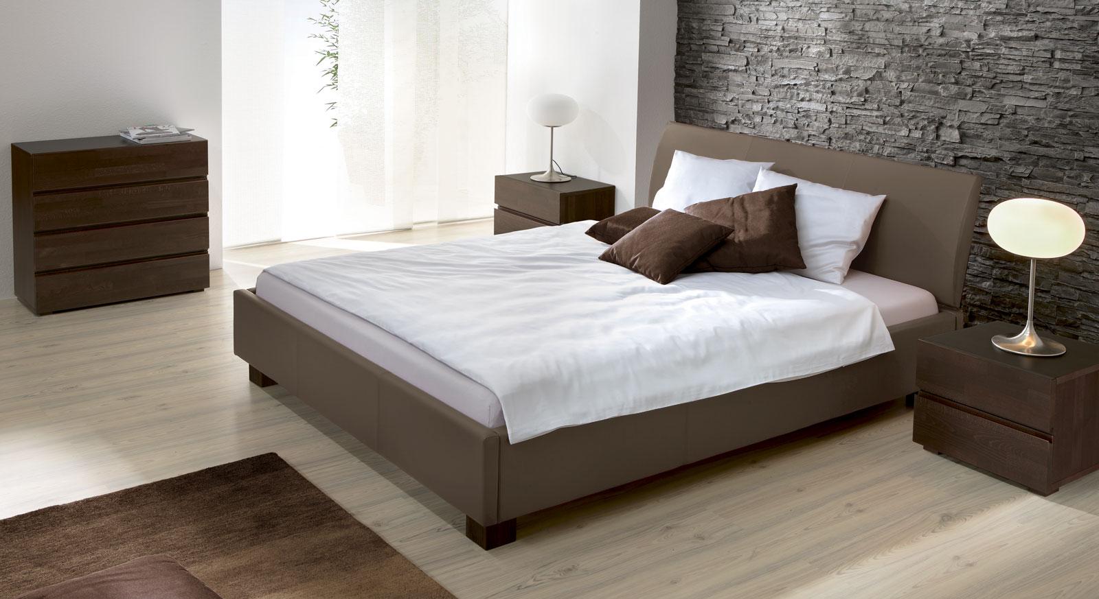 polsterbett mit hohem kopfteil und kunstlederbezug amore. Black Bedroom Furniture Sets. Home Design Ideas