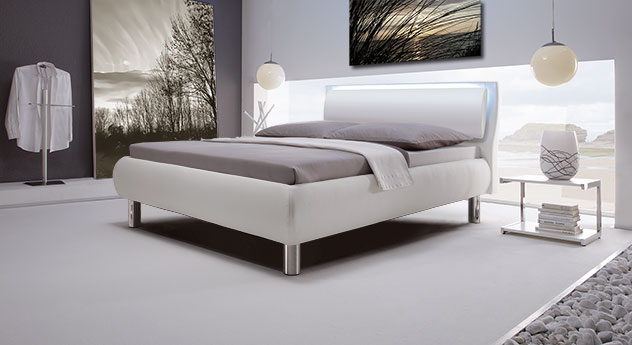 Polsterbett Aroa mit weißem Kunstleder