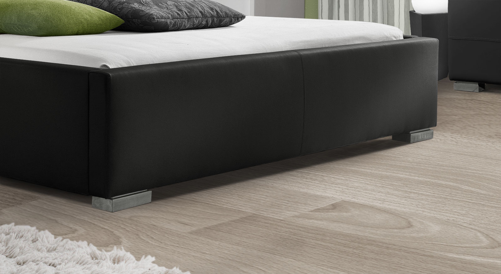 Polsterbett Baskerville Comfort mit niedrigen Metall-Füßen