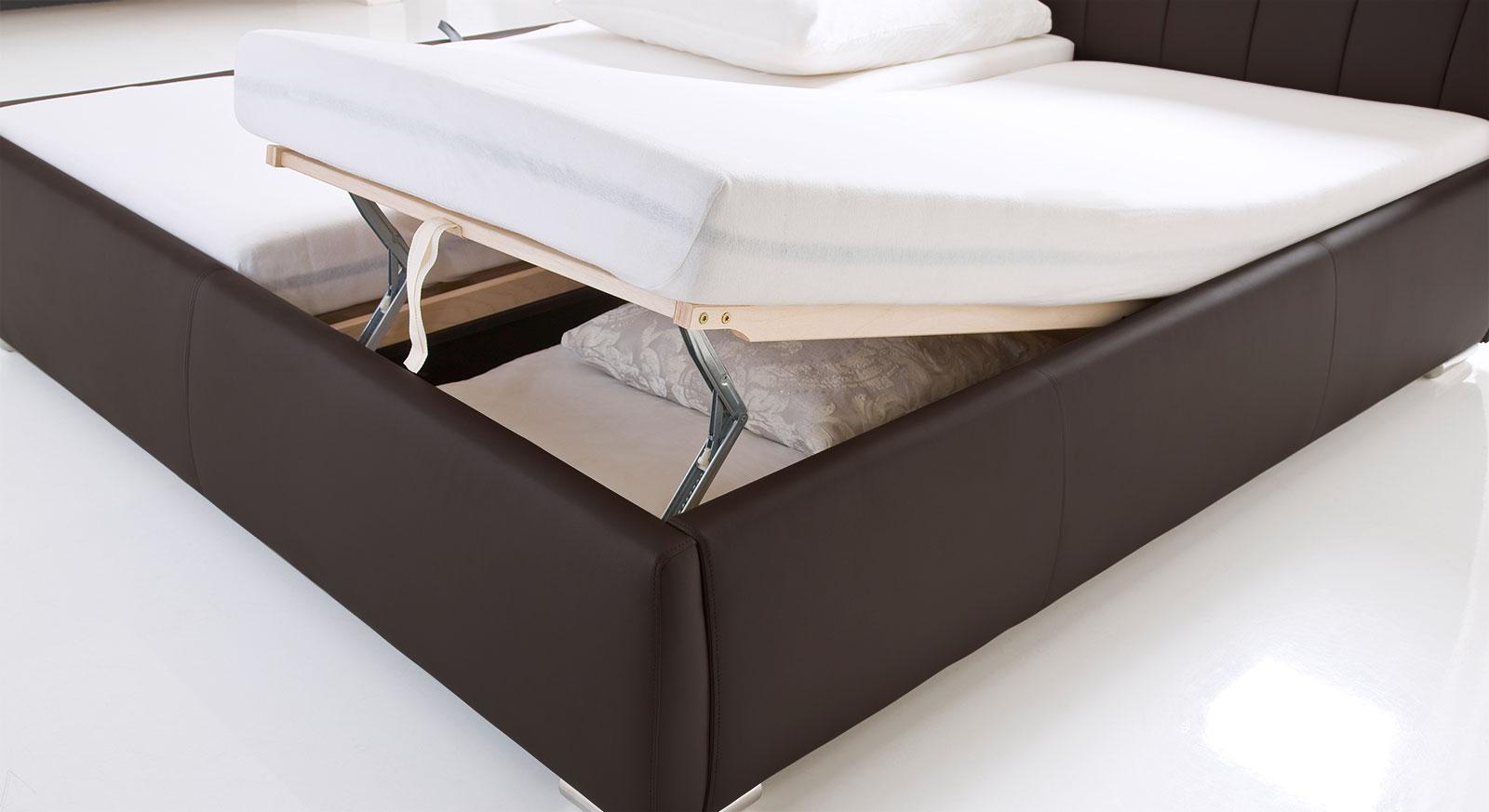 Polsterbett Lewdown mit Lattenrost und Bettkasten vorne