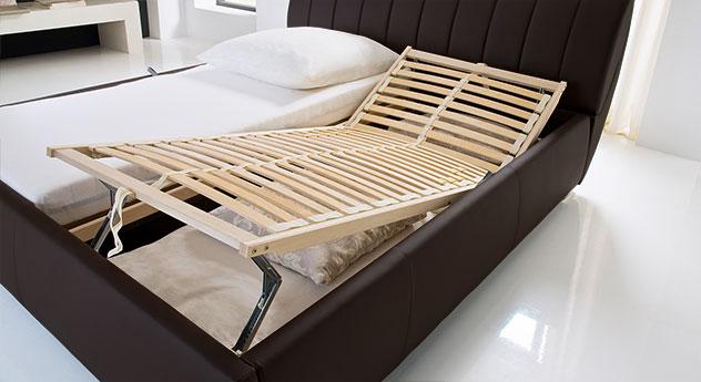 Komfortables Polsterbett Lewdown mit verstellbarem Lattenrost