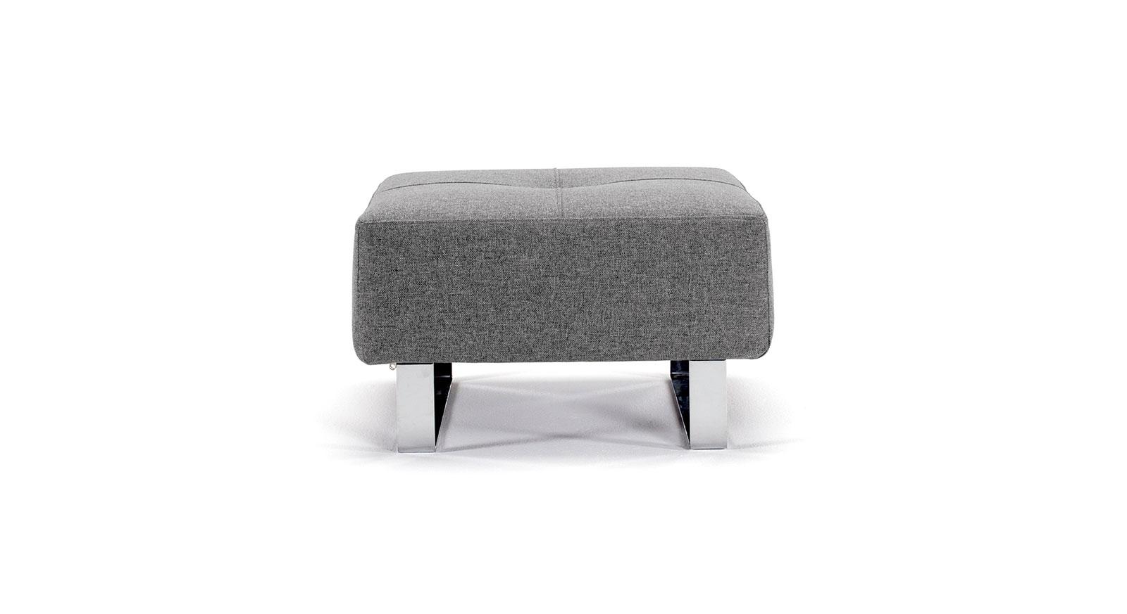 Sitzhocker Wilshere in grau mit verchromten Füßen.