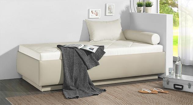 Relaxliege Eriko in cremefarbenem Microvelours und beigem Kunstleder