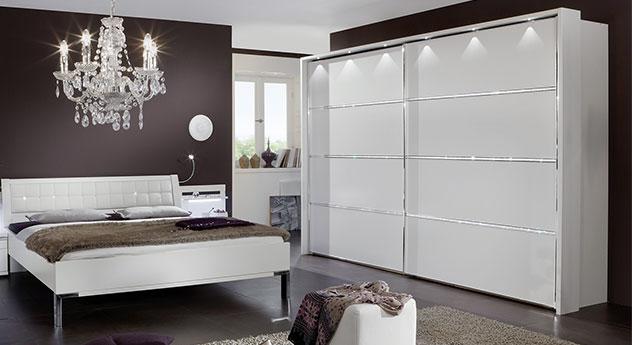 Schwebetüren-Kleiderschrank Huddersfield mit 3 Querleisten mit Kristallstein-Applikation und Passepartout-Rahmen mit Beleuchtung