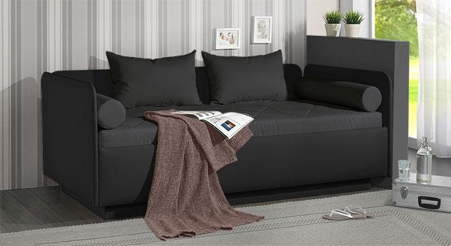 Schlafsofa Eriko aus schwarzem Kunstleder und Microvelours