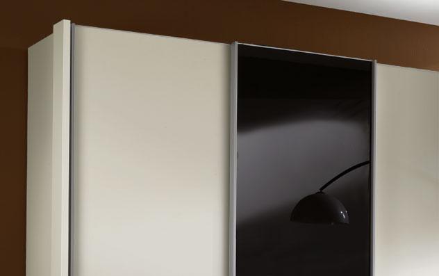 g nstiger schrank in alpinwei mit glas schiebet r swift. Black Bedroom Furniture Sets. Home Design Ideas