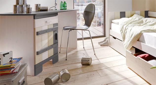Großer Laubhütte Schreibtisch aus Kiefer Massivholz