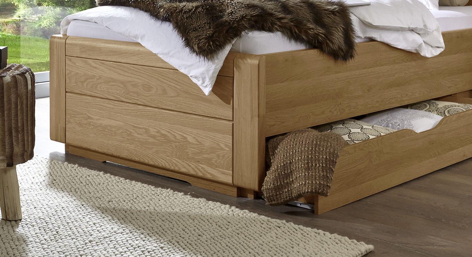 einzelbett landhausstil mit schubladen eiche teilmassiv. Black Bedroom Furniture Sets. Home Design Ideas