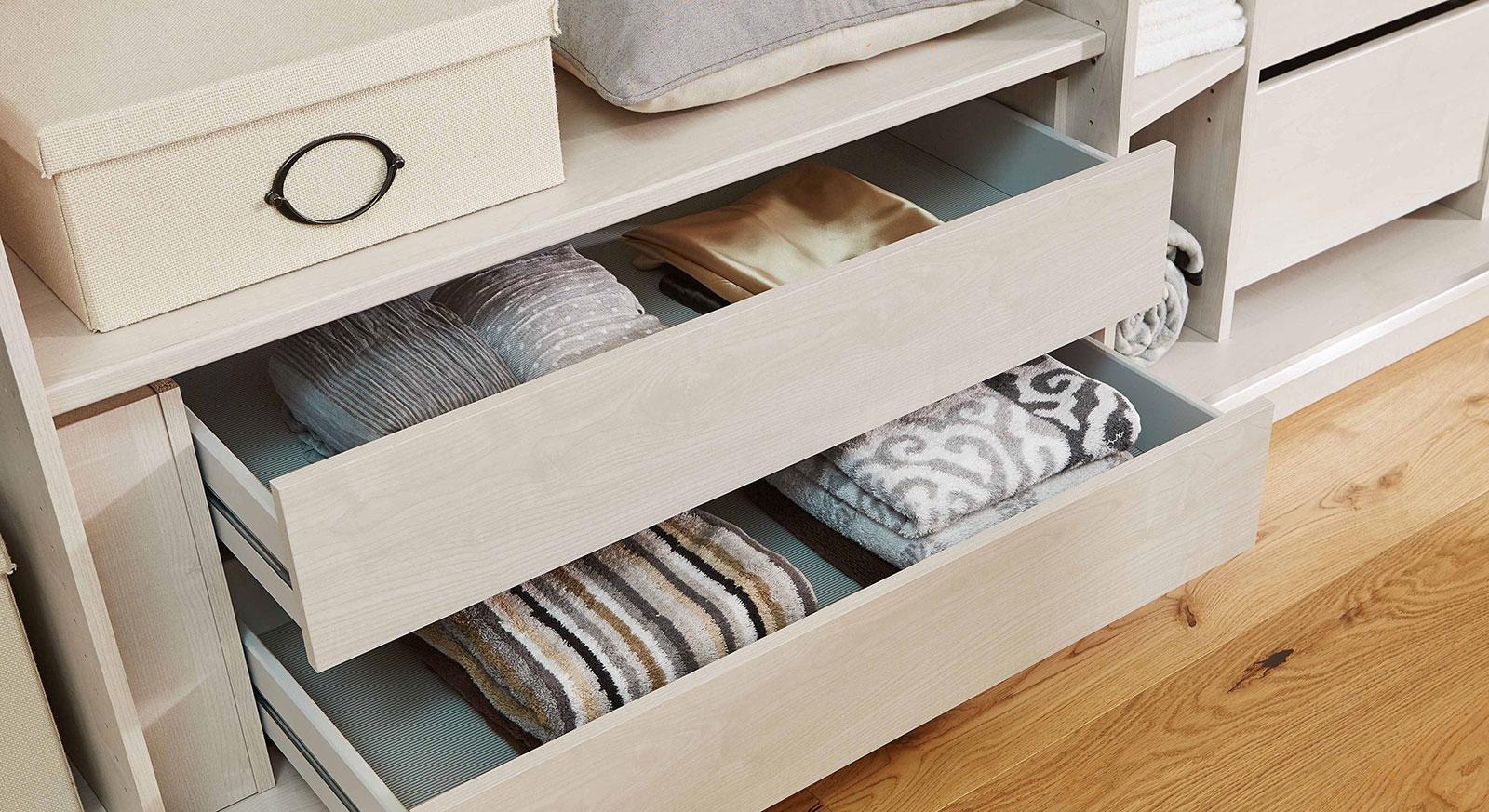 Schubkasten-Schubladen mit Holzfront