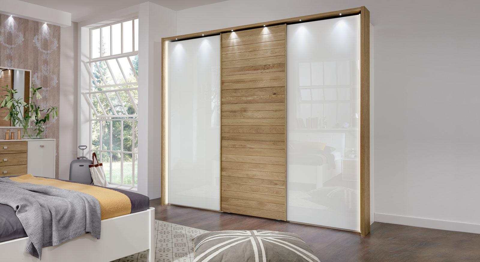Schwebetüren-Kleiderschrank Koga mit Rahmen in Eichendekor und Beleuchtung