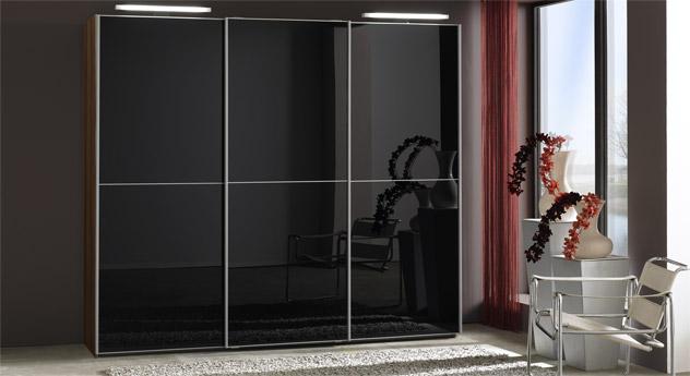 Schwebetüren-Kleiderschrank Madison Schwarz-Glas Walnuss-Dekor