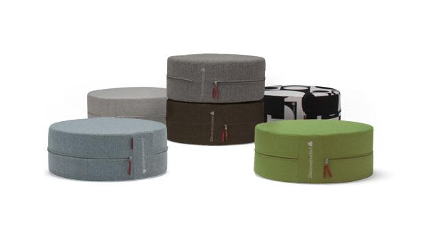 Der gemütliche und dekorative Sitzhocker gibt es in verschiedenen Stoffarten