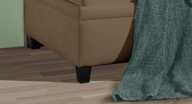 Sofaliege Kamina mit kantigen und modernen Füßen