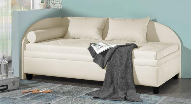 stauraum studioliege in veloursstoff mit seitenlehne kamina. Black Bedroom Furniture Sets. Home Design Ideas