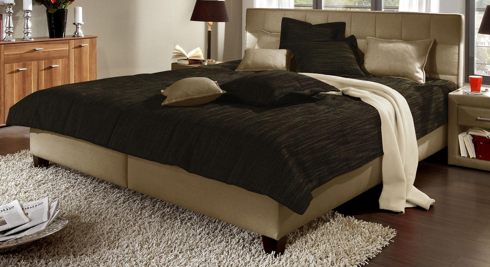 tagesdecke in grau mit landhaus optik kaufen sansone. Black Bedroom Furniture Sets. Home Design Ideas