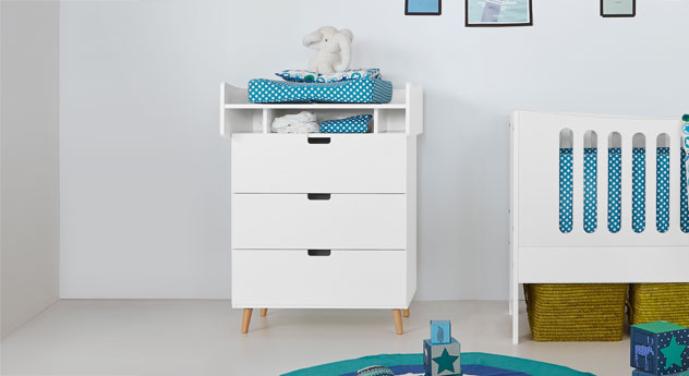 hohe wickelkommode mit aufsatz z b in wei kids town. Black Bedroom Furniture Sets. Home Design Ideas