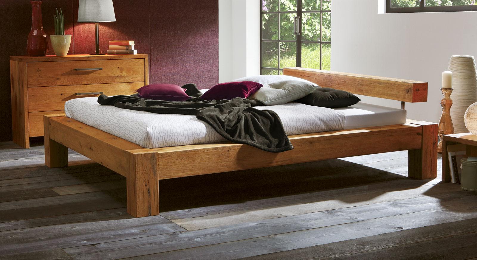 Möbel aus Wildeiche - Bett Rustico mit 20cm Fußhöhe