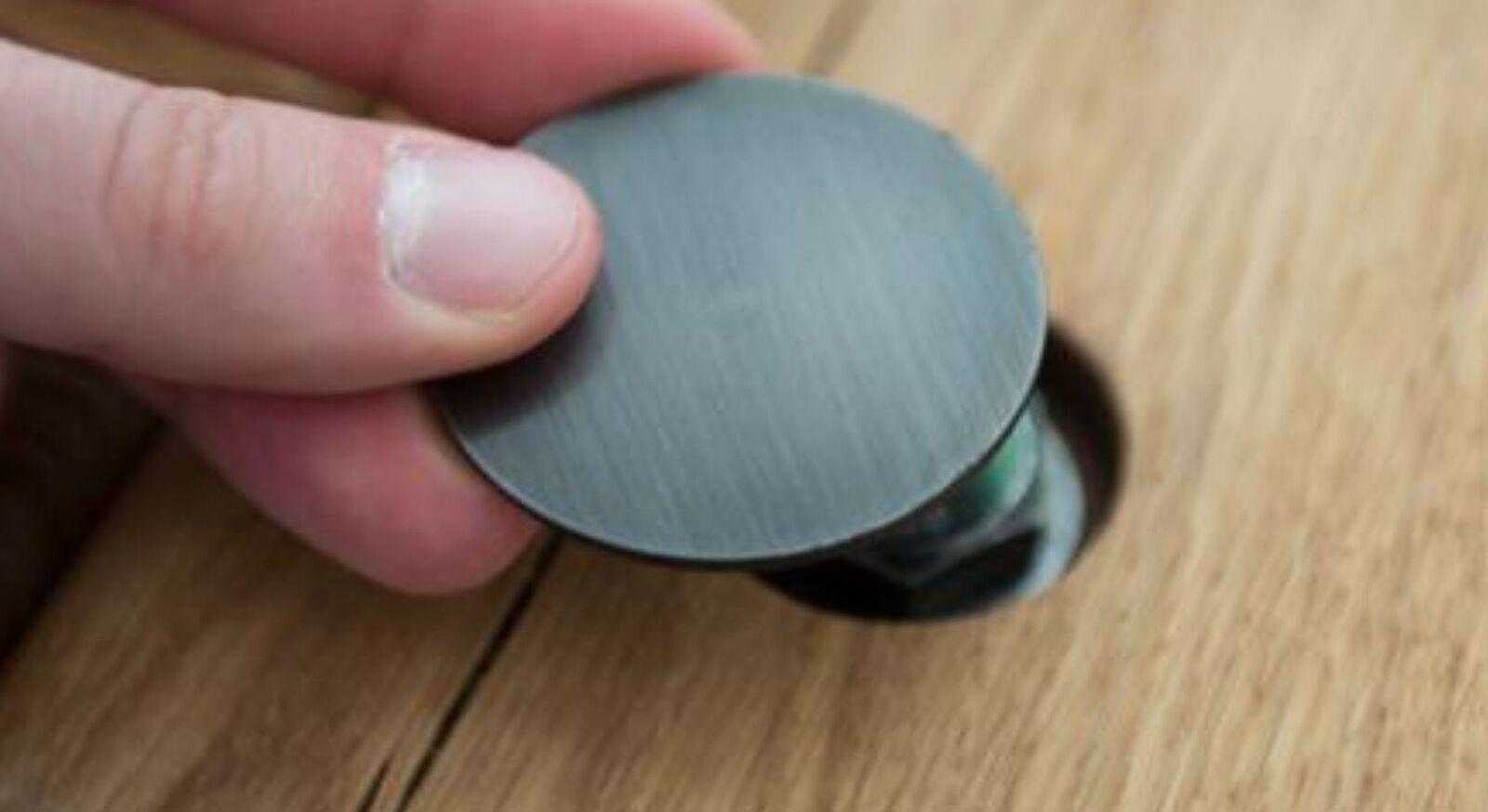 Abdeckkappen für Balkenbetten aus pulverbeschichtetem Metall