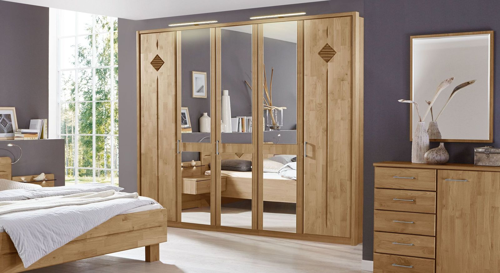 spiegel kleiderschrank erle teilmassiv klassischer stil aliano. Black Bedroom Furniture Sets. Home Design Ideas