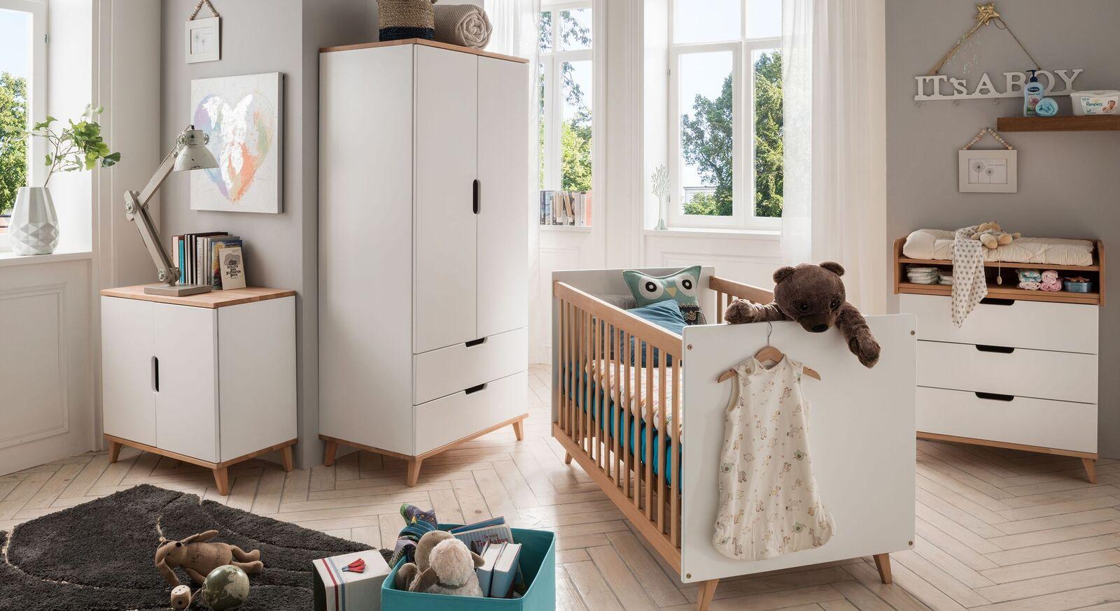 Babybett Kids Nordic mit passender Babyzimmer-Einrichtung