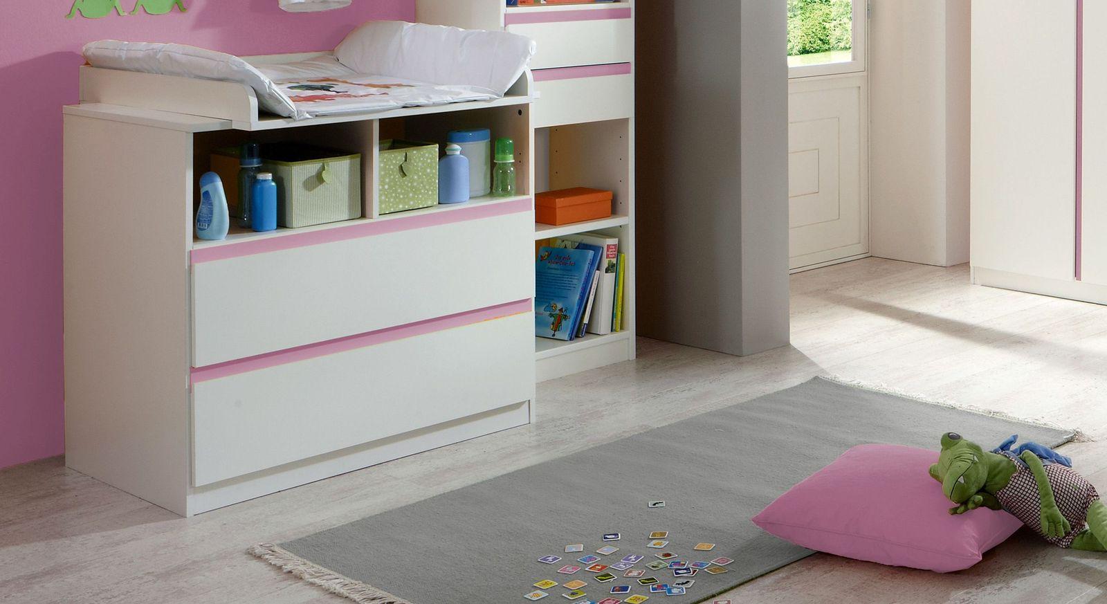 Babyzimmer Armilla mit rosafarbenen Griffleisten