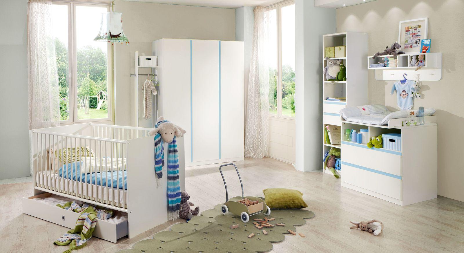 Preiswertes Babyzimmer Los Pinos mit weißen Möbeln