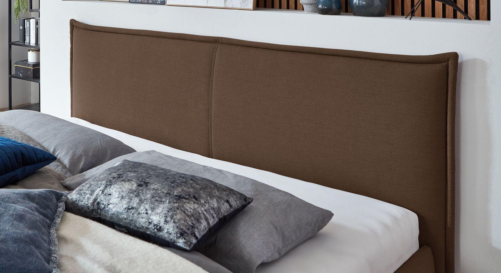 Bett Adana mit gepolstertem Kopfteil
