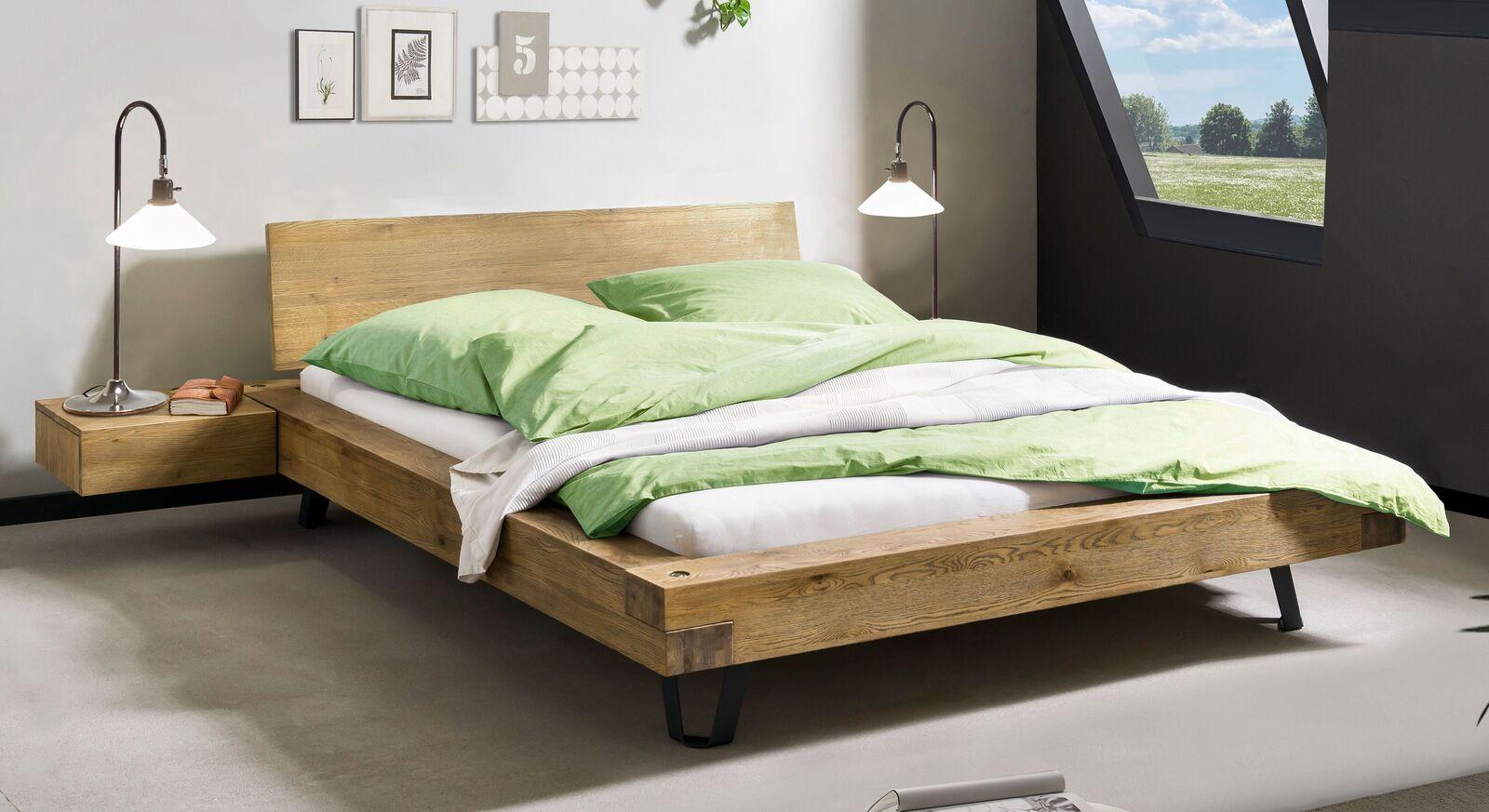 Bett Adriel aus Massivholz Kopfteil ohne Polster