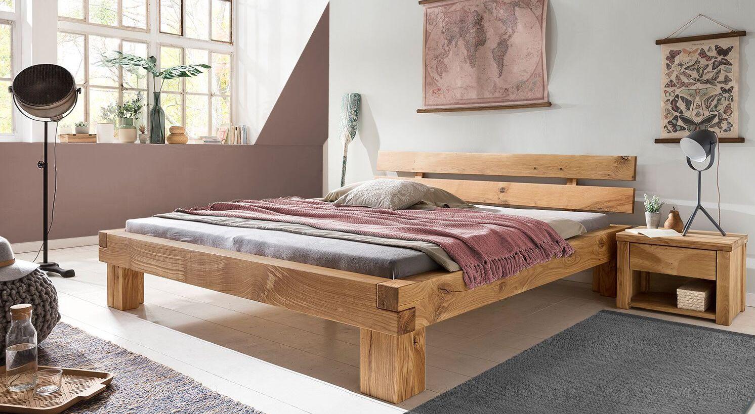 Bett Areska mit passendem Nachttisch