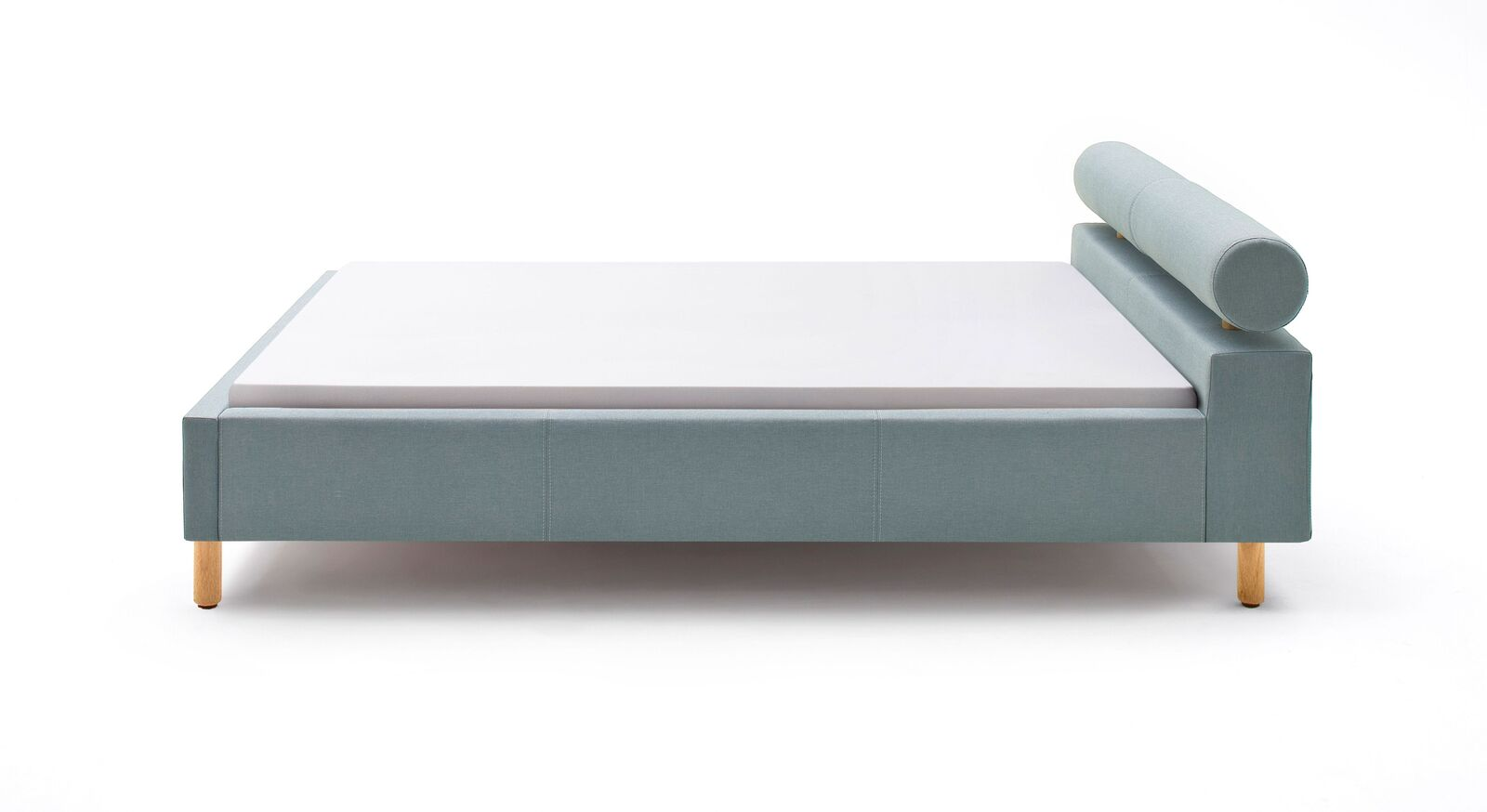 Geradliniges Bett Arlet mit robustem Stoffbezug