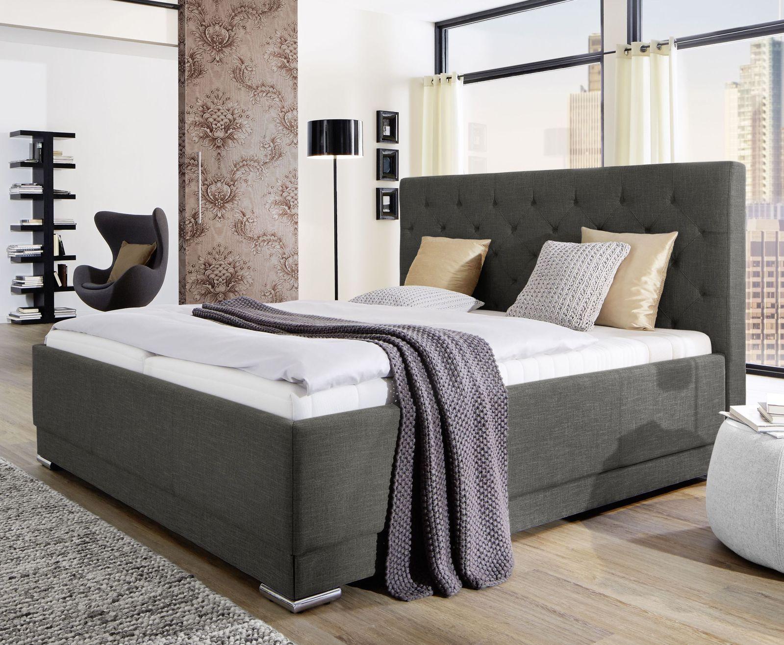 g nstiges polsterbett in grau mit gestepptem kopfteil atella. Black Bedroom Furniture Sets. Home Design Ideas