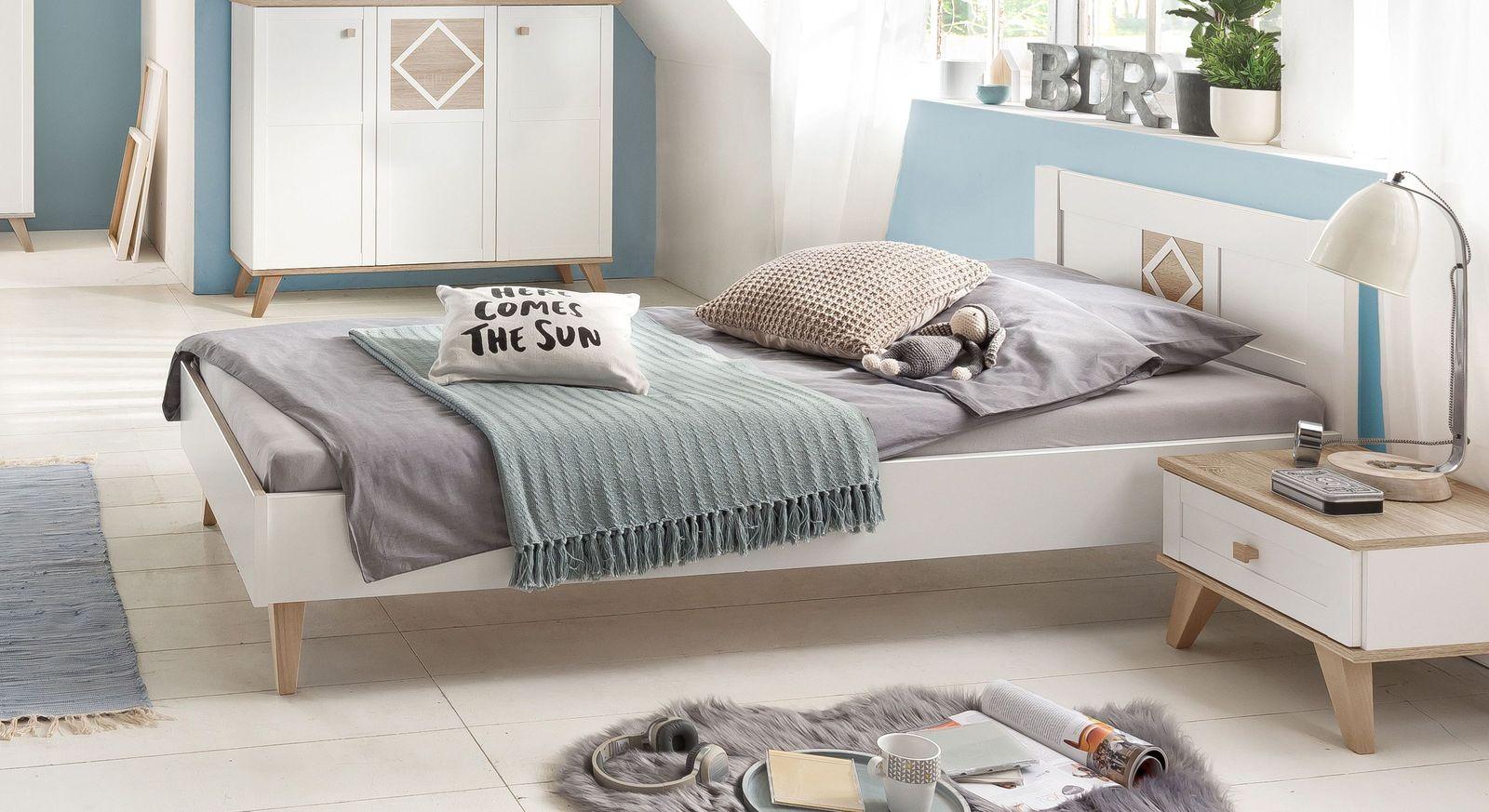 Bett Atina in Weiß mit sägerauem Eiche-Dekor