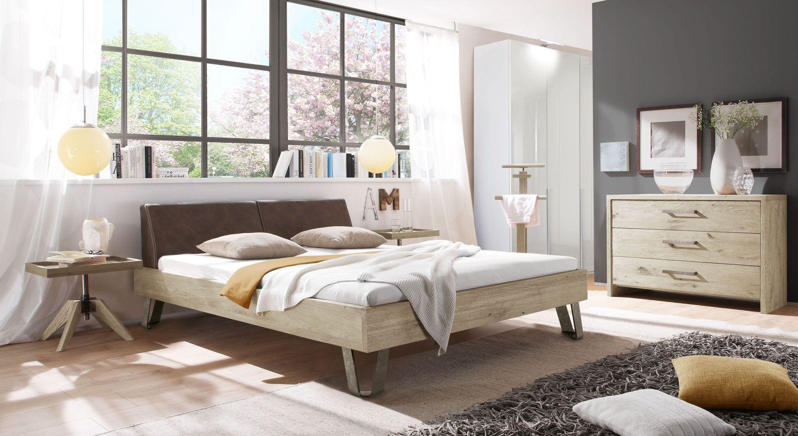 Bett Aveiros mit passenden Schlafzimmer-Möbeln