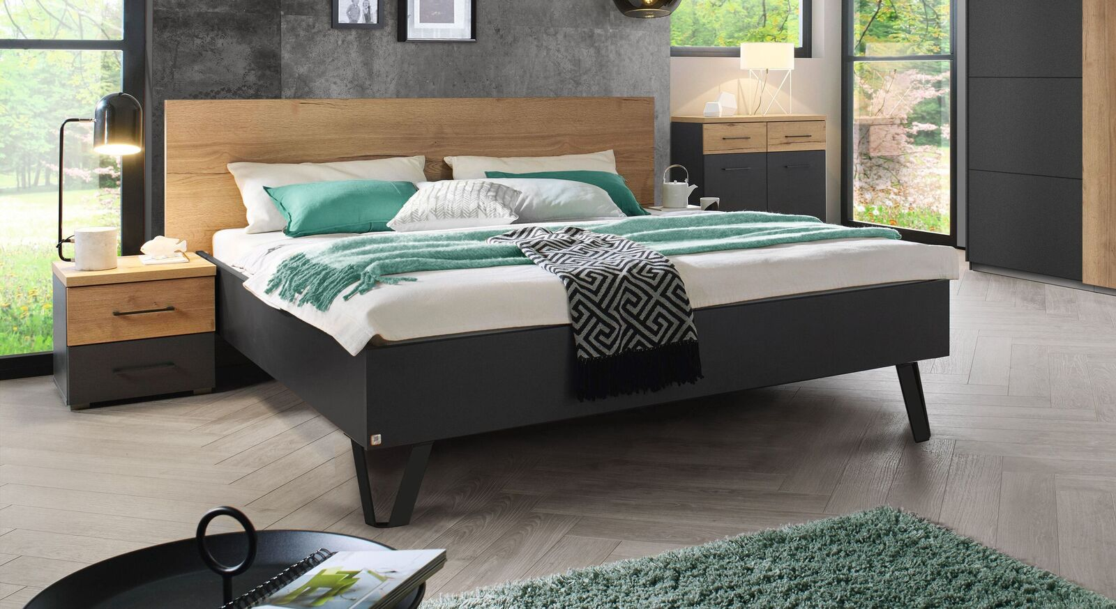 Modernes Bett Azra mit dunklem Bettrahmen