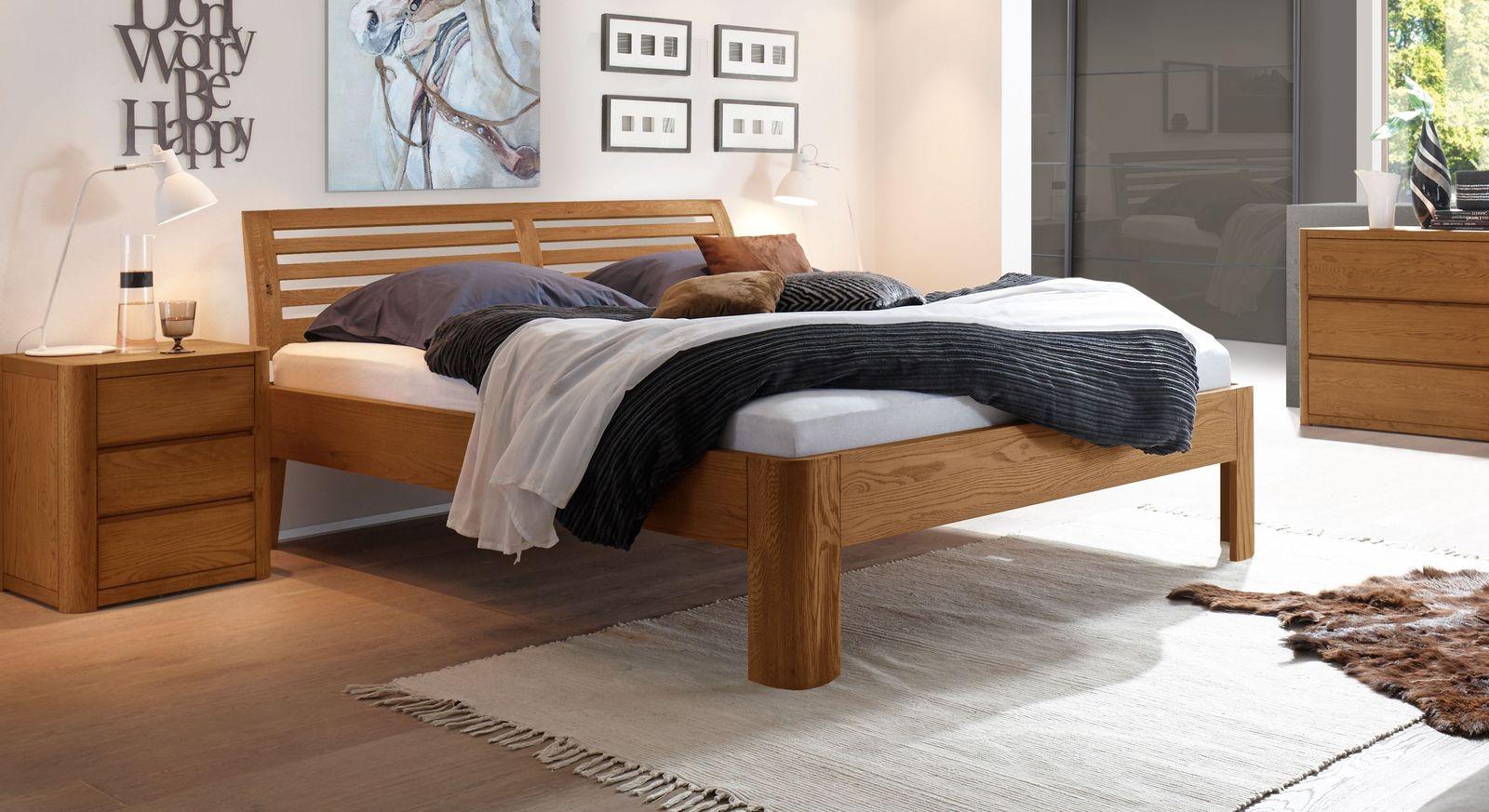 Bett Barcelona aus cognacfarbenem Eichenholz