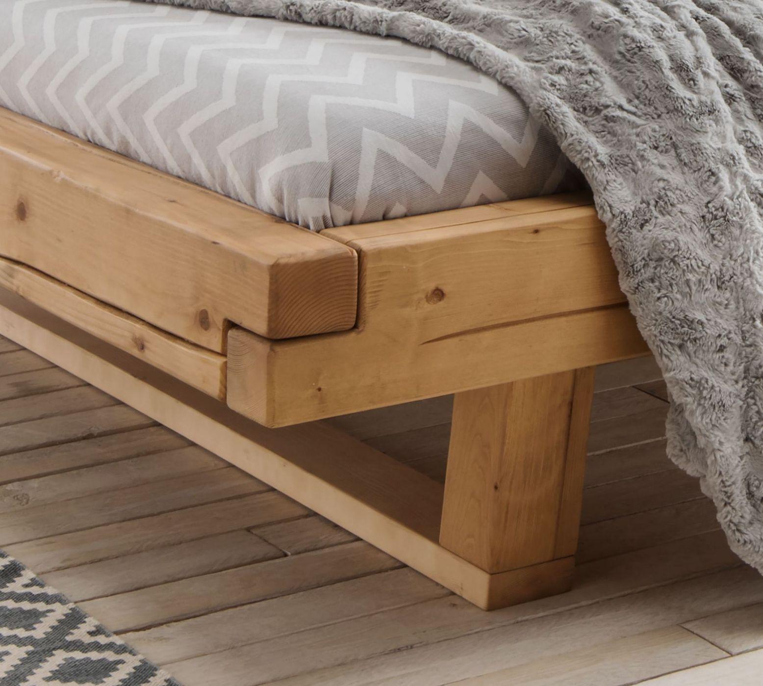 balkenbett aus fichtenholz natur ge lt bis 200 kg basiliano. Black Bedroom Furniture Sets. Home Design Ideas