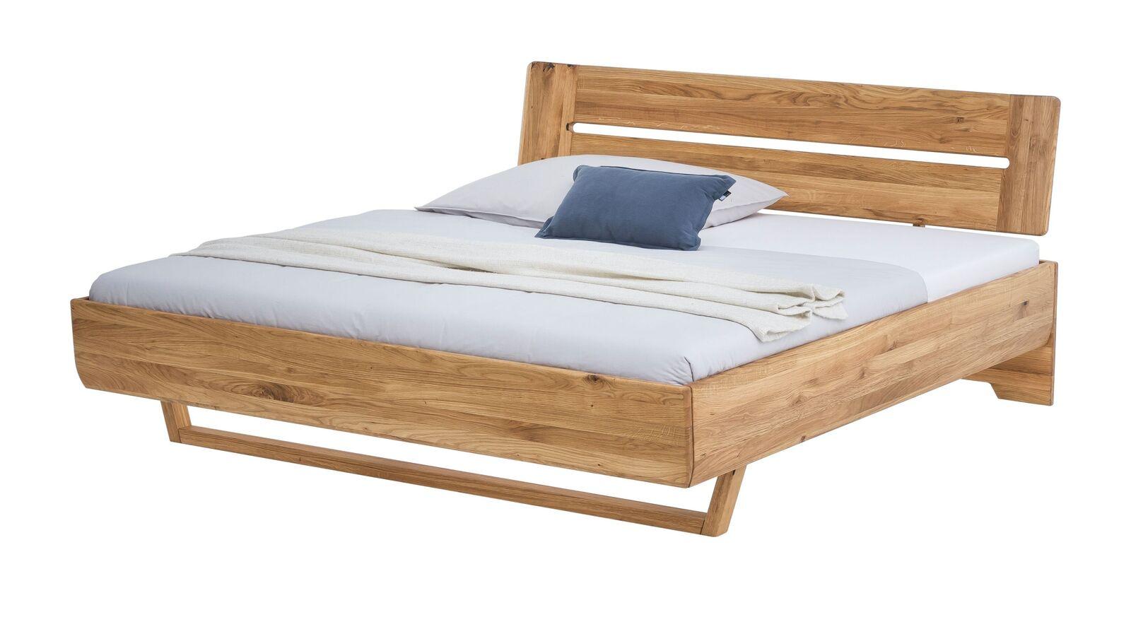Massives Bett Bekan in modernem Design