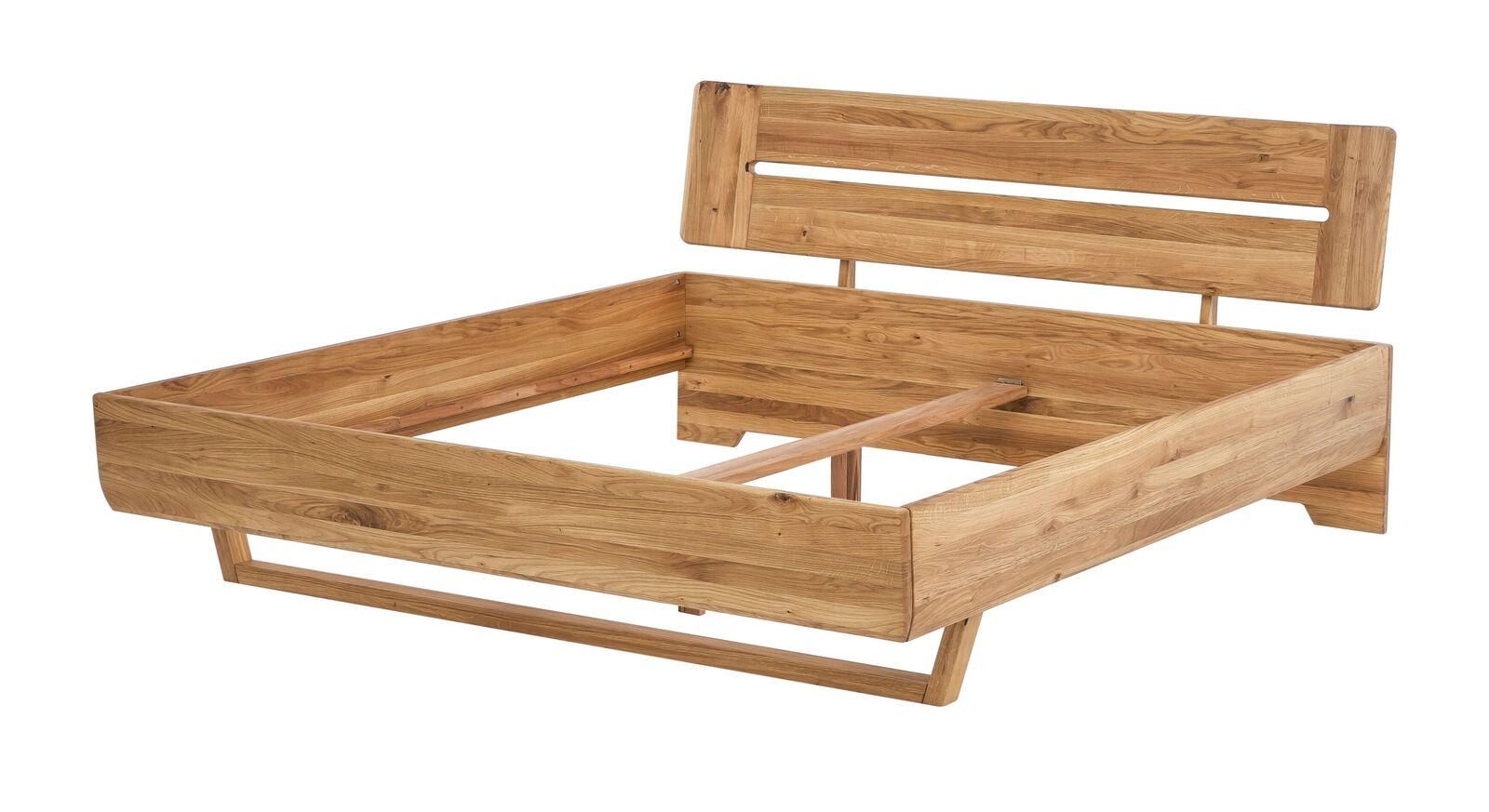 Bett Bekan mit robustem Massivholz-Rahmen