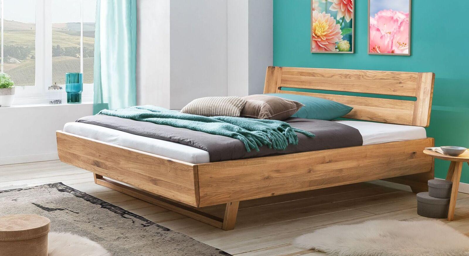 Bett Bekan aus Wildeiche-Massivholz