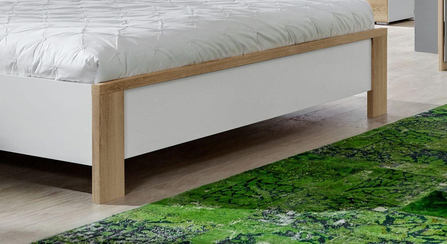 Bett Bellegra mit ansprechendem Fußbereich