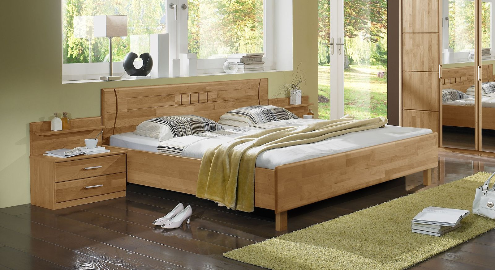 Bett Beyla aus lackiertem Erlenholz
