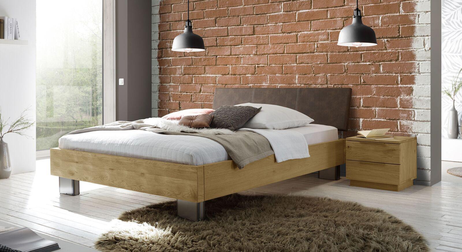 Bett Cadinor mit passenden Schlafzimmermöbeln