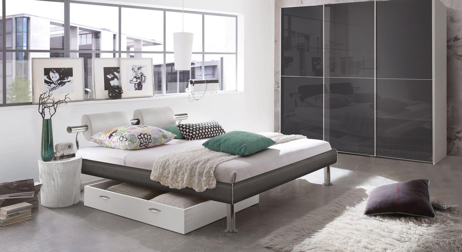 Bett Caliari mit passenden Schlafzimmermöbeln