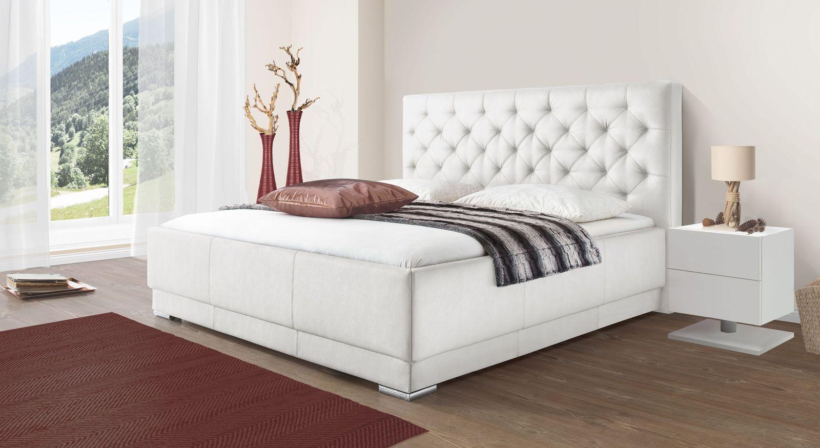 Bett Castletown mit weißem Kunstlederbezug