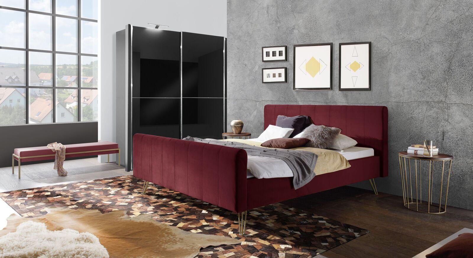 Bett Celica mit passender Schlafzimmer-Ausstattung