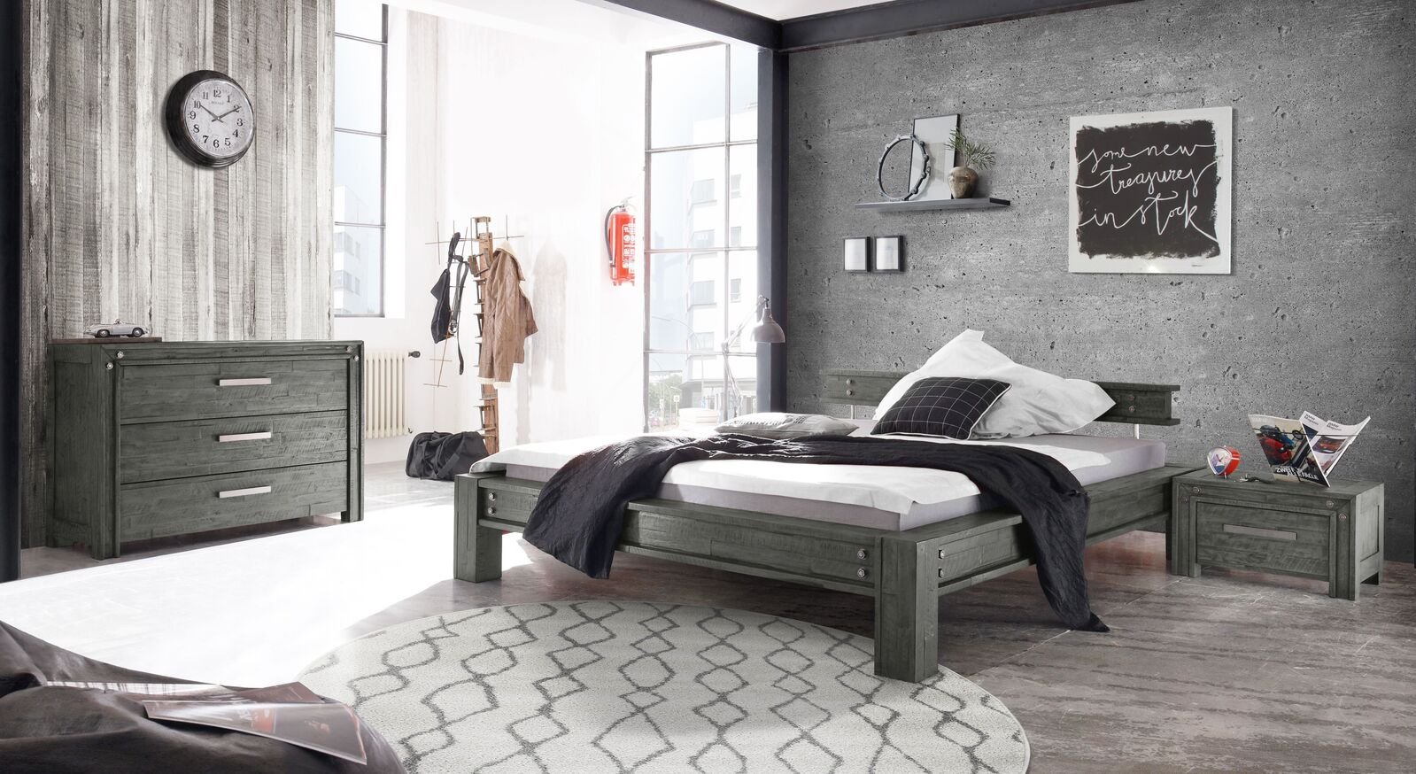 Bett Centuri mit passender Schlafzimmer-Einrichtung