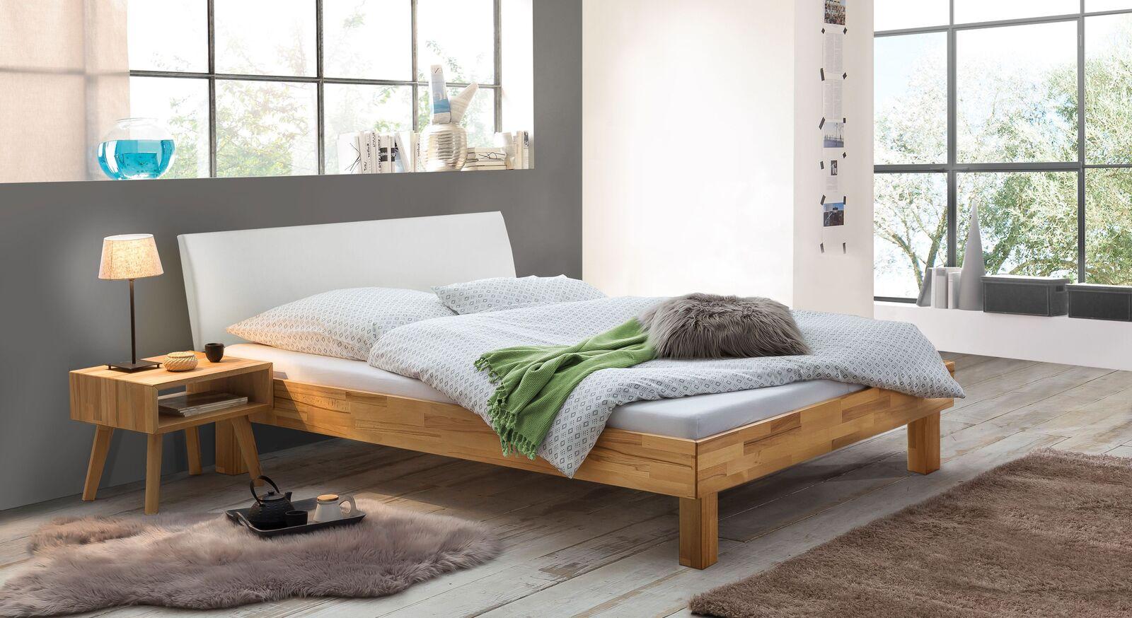 Bett Chatenay mit passendem Nachttisch